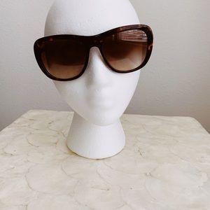 Coach HC8202 Sunglasses